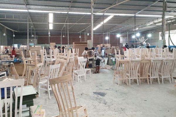 xưởng sản xuất nội thất gỗ sắt